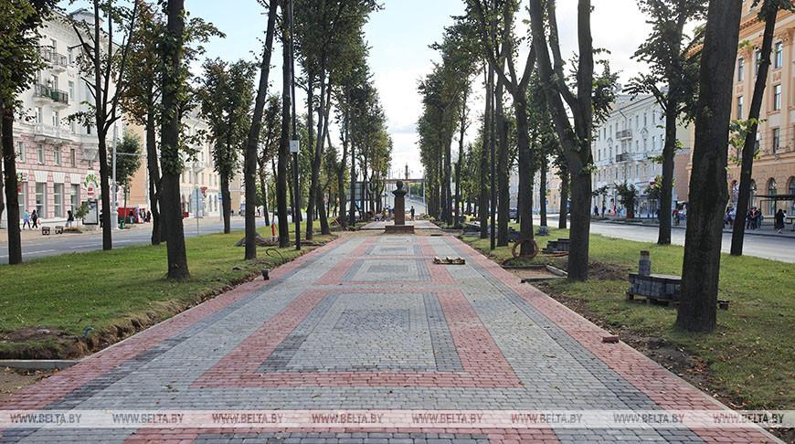 В Витебске идет реконструкция центральной аллеи на улице Кирова