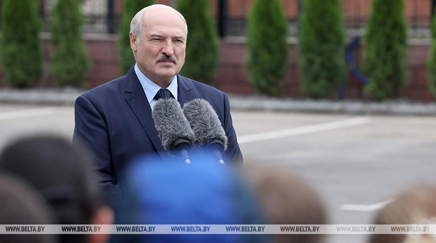 Лукашенко обещает ответ на санкционные меры