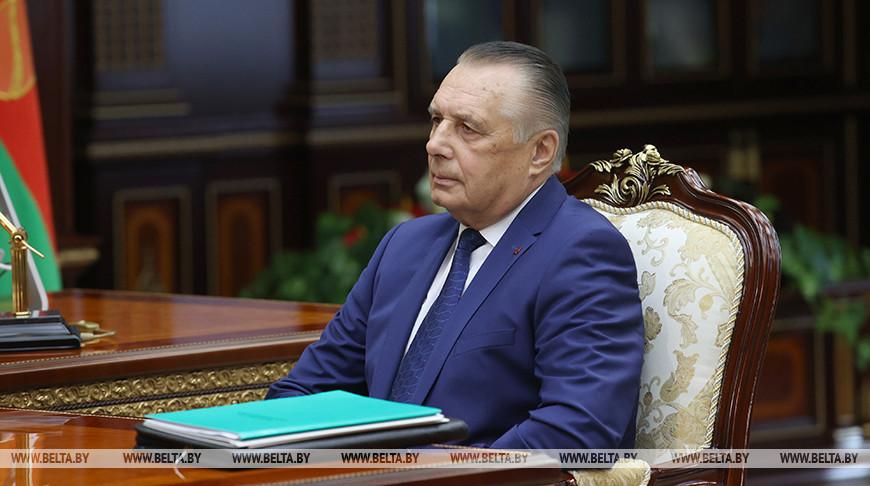 Лукашенко встретился с председателем Верховного суда Валентином Сукало