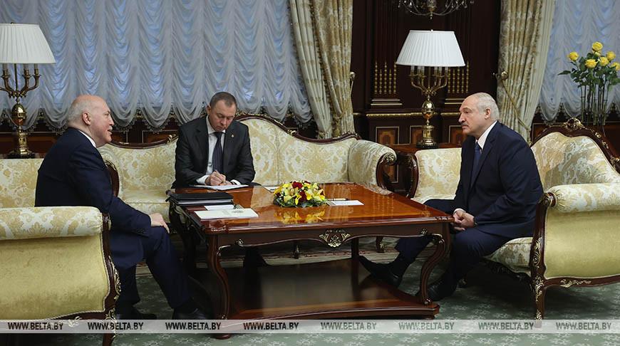 Лукашенко встретился с Чрезвычайным и Полномочным Послом России в Беларуси Дмитрием Мезенцевым