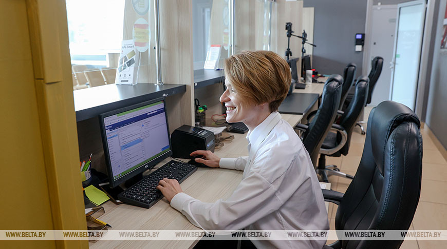 Испанский визовый центр возобновит работу в Минске