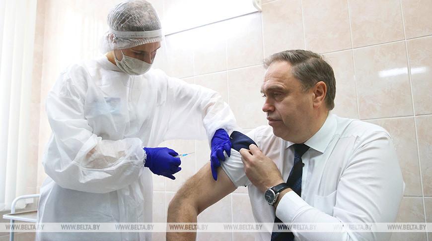 Владимир Караник сделал прививку против гриппа