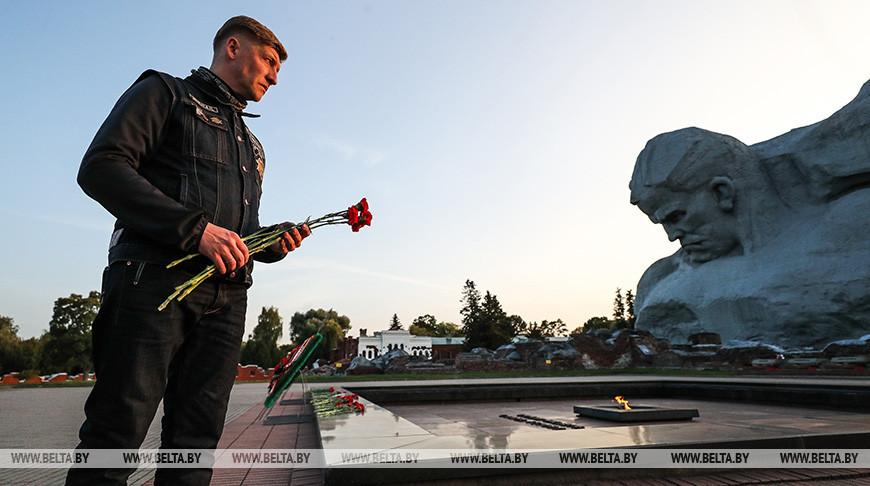Участники белорусско-российского мотопробега посетили Брестскую крепость