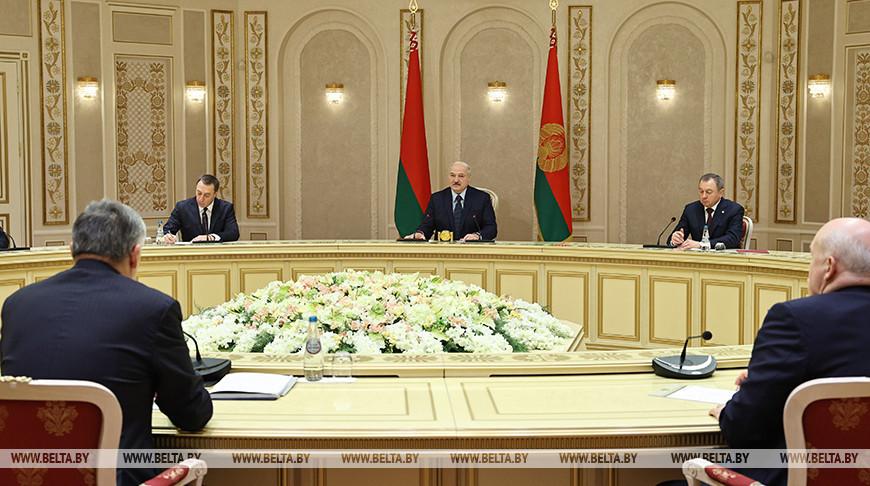 Лукашенко провел встречу с губернатором Ленинградской области России