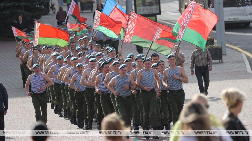 Витебские десантники провели забег по улицам областного центра
