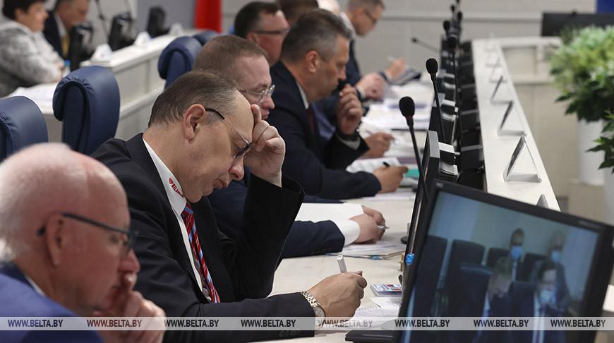 Совместные экономические проекты обсуждают участники Форума регионов