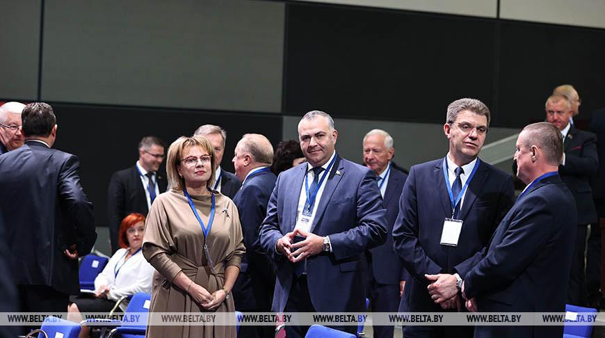 Пленарное заседание VII Форума регионов Беларуси и России