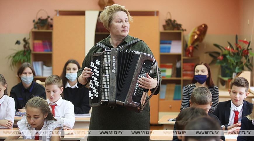 Учитель музыки Светлана Адамчук удостоена Благодарности Президента