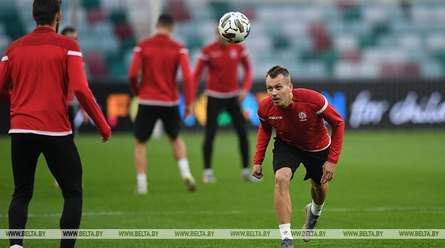 Белорусские футболисты провели тренировку перед матчем со сборной Казахстана