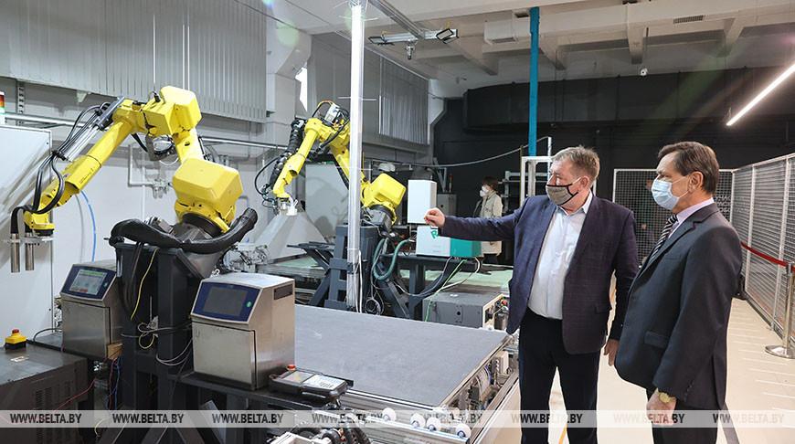 """Уникальную роботизированную линию тестируют на """"Белвесте"""""""