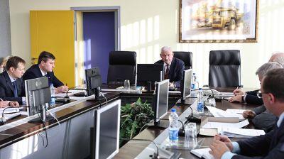 Министр промышленности встретился с руководством БЕЛАЗа
