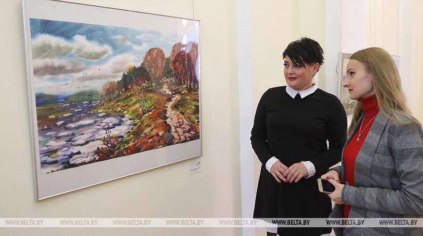 Произведения 26 художников-акварелистов представлены на выставке в Витебске