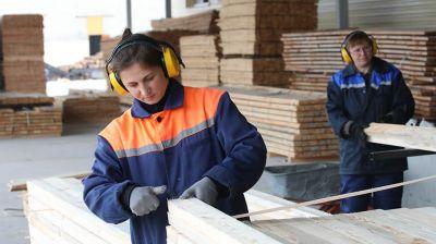 Более 100 куб.м пиломатериалов ежедневно отправляет на экспорт Лельчицкий лесхоз