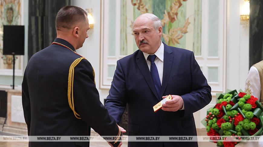 Лукашенко представил в должности министра внутренних дел и начальника ГУВД Минска