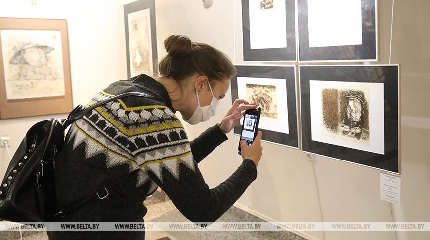Выставка работ Александра Сушкова открылась в Гомеле