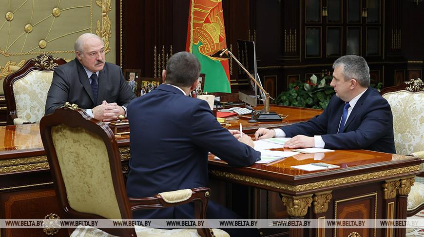Лукашенко обсудил с Крупко и Субботиным работу аграрного сектора