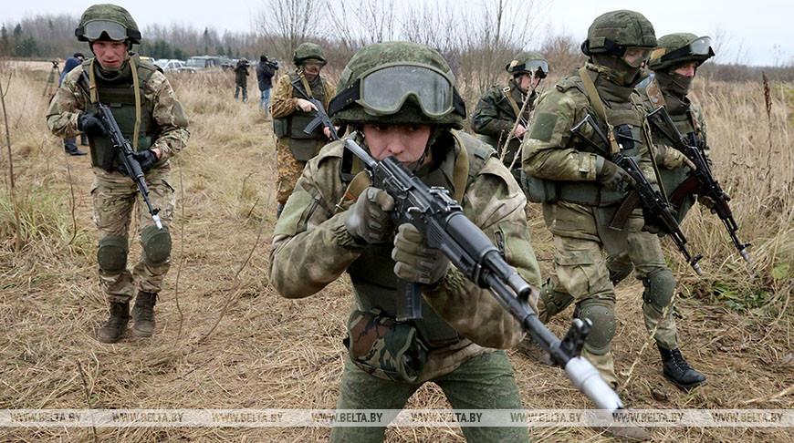 Бойцы миротворческой роты провели показательные занятия