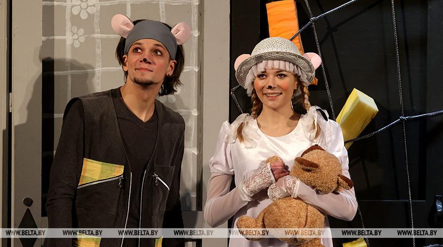 Коласовский театр показал сказку для детей о волшебной силе добра