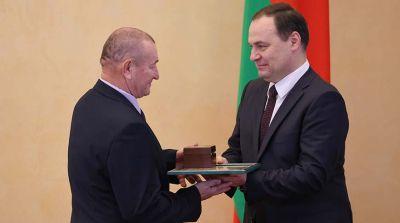 Головченко вручил госнаграды представителям различных сфер