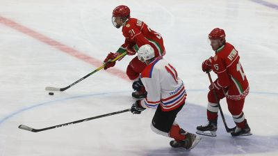 Команда Президента победила хоккеистов Гродненской области в матче любительского турнира