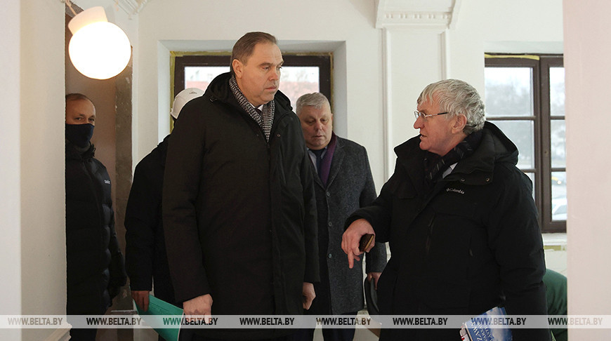 Караник ознакомился с реставрацией дома Тызенгауза в Гродно
