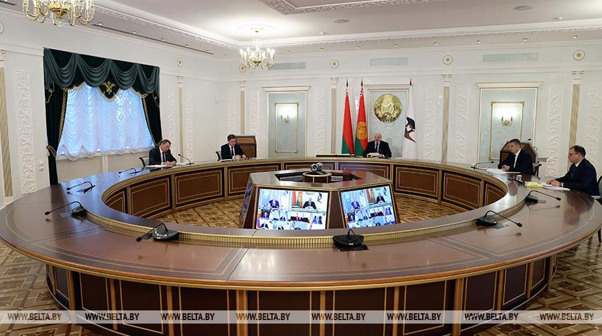 Лукашенко принял участие в саммите ЕАЭС