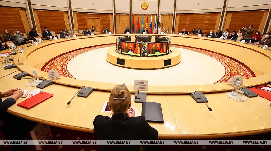 """Международный форум """"Антиконтрафакт-2020"""" проходит в Минске"""