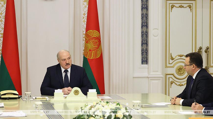 Лукашенко провел совещание по вопросам разработки противовирусных вакцин и локализации производства иностранных вакцин