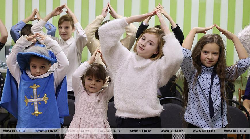 Кочанова посетила социально-педагогический центр Полоцкого района и приняла участие в новогоднем празднике