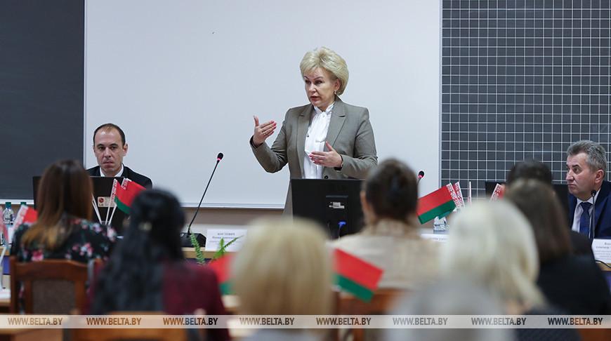 Минтруда изучает предложения белорусов по изменениям в декретный отпуск