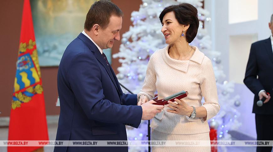 Турчин вручил госнаграды и Благодарности Президента