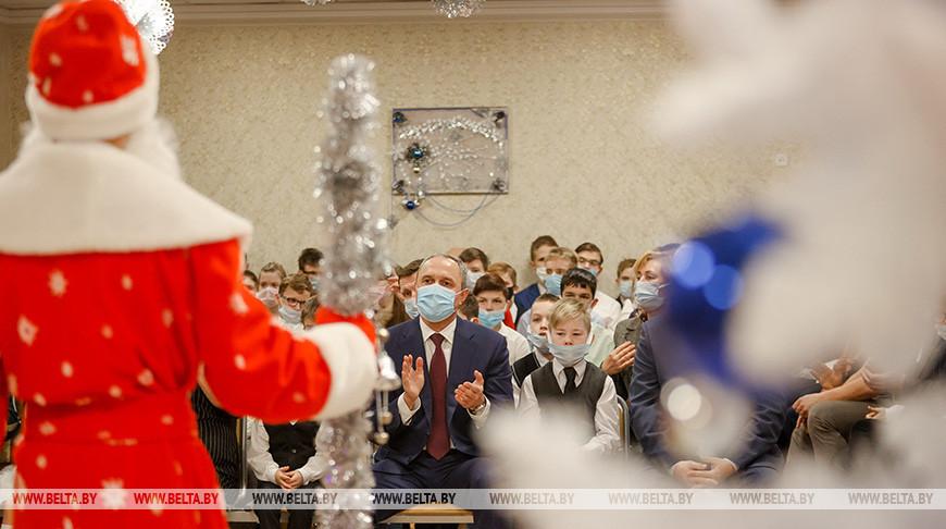 """Участники акции """"Рождественская традиция"""" поздравили подопечных Минского детского дома №5"""