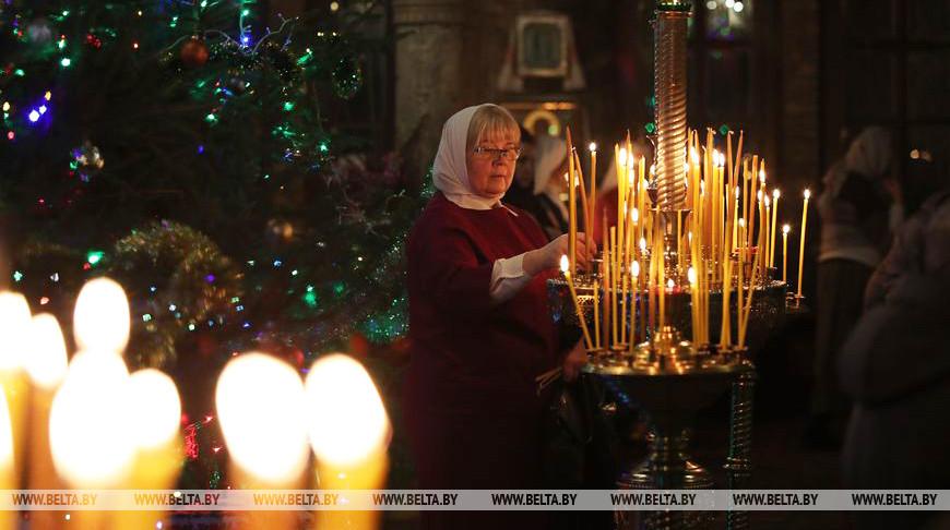 Праздничное богослужение в честь Рождества Христова в Свято-Николаевском гарнизонном соборе в Бресте