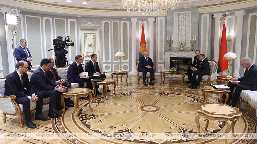 Лукашенко провел встречу с главой Международной федерации хоккея Рене Фазелем
