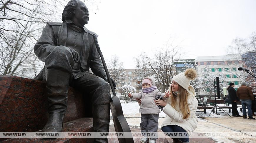 Цветы к памятнику Мулявина возложили в Минске