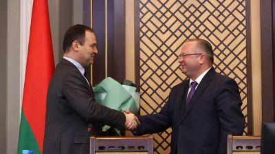 Головченко представил нового главу КГК коллективу ведомства