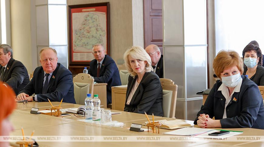 Совещание с председателями местных Советов депутатов прошло в Совете Республики