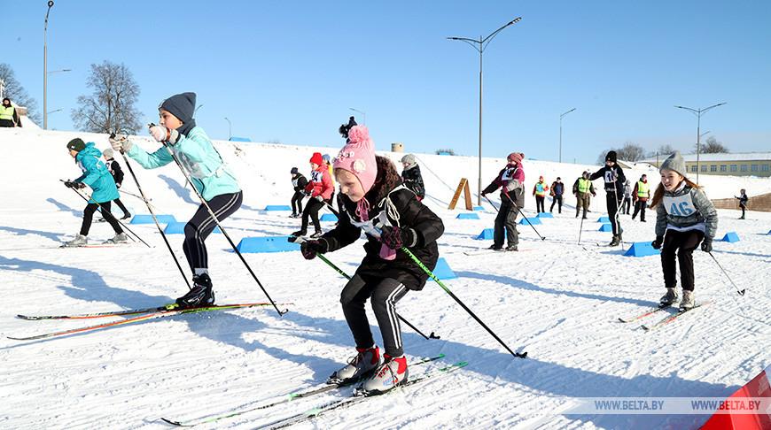 """Областные соревнования по биатлону """"Снежный снайпер"""" проходят в Чаусах"""
