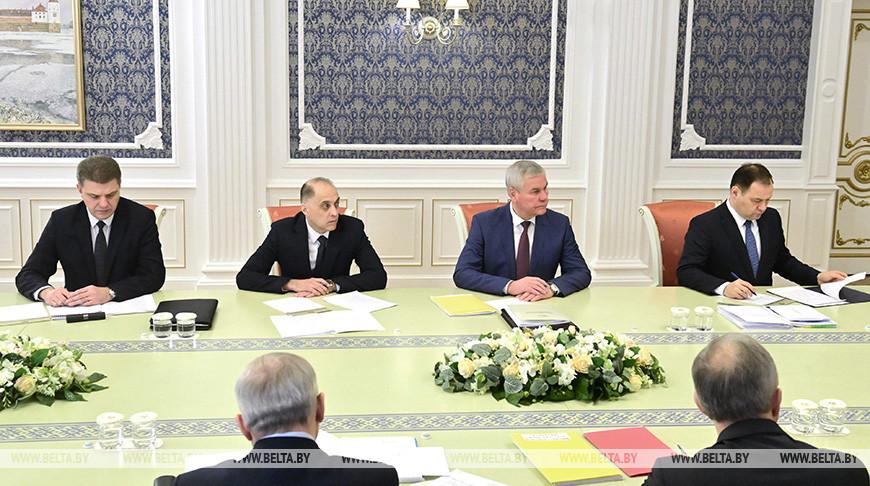 Лукашенко собрал совещание по подготовке форума и поставил задачи