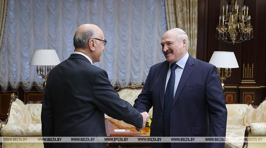 Лукашенко отметил значительный прогресс в развитии сотрудничества с Узбекистаном