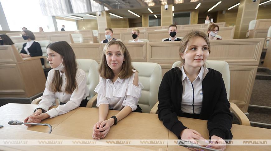 Сивец встретился с минскими школьниками