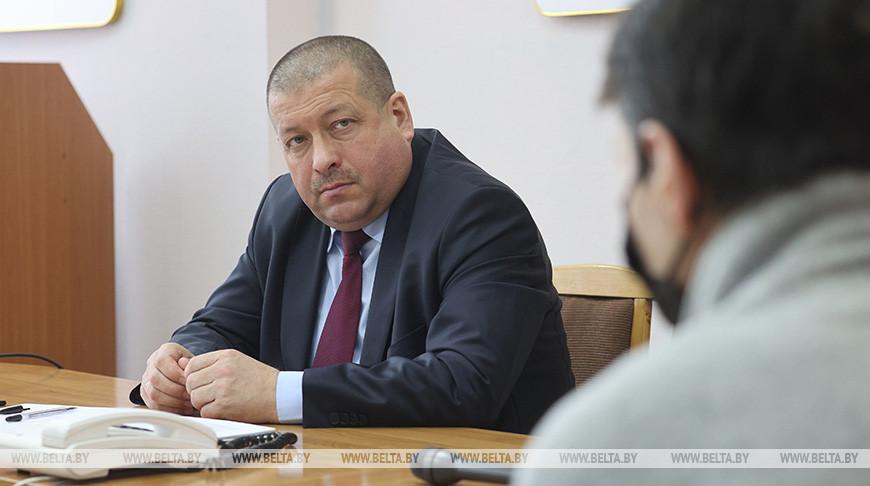 Линевич провел прием граждан и прямую линию в Бешенковичском райисполкоме