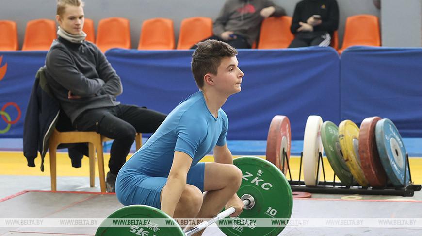 Турнир по тяжелой атлетике памяти Эдуарда Гуриновича проходит в Гомеле
