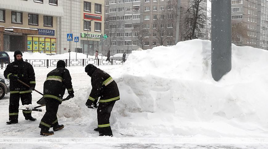 Гомель завалило снегом