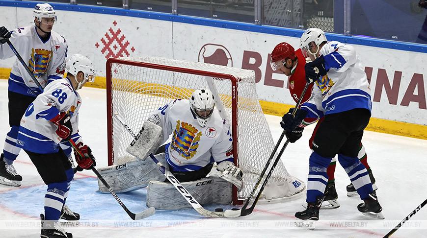 Хоккейная команда Президента выиграла у сборной Минской области в матче любительского турнира