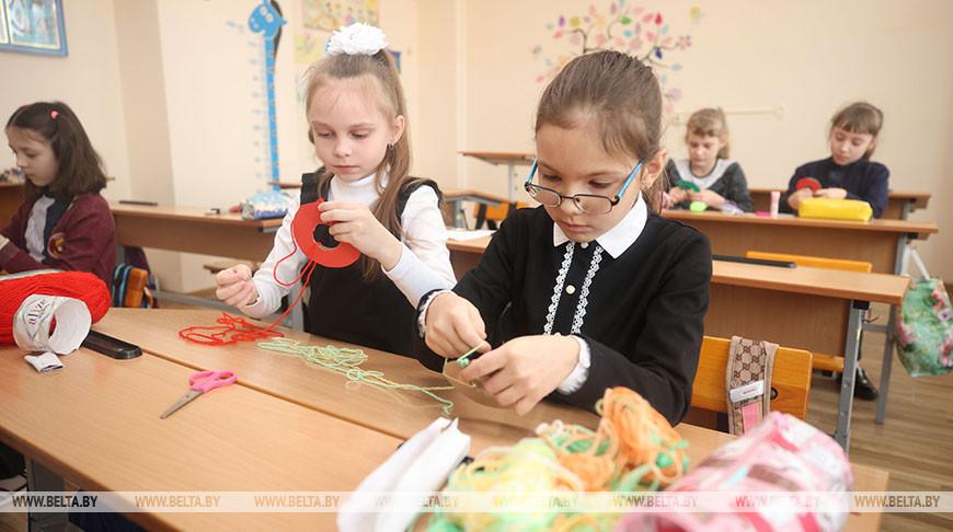 Петришенко ознакомился со сферой образования Свислочского района
