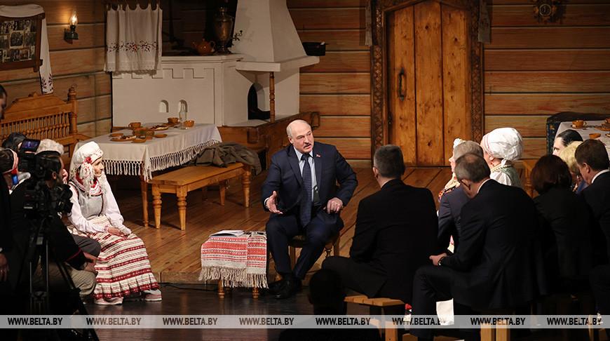 Лукашенко посетил Купаловский театр