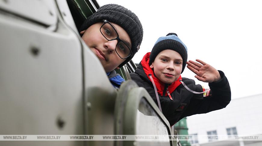 Выставка вооружения и военной техники прошла в Бресте