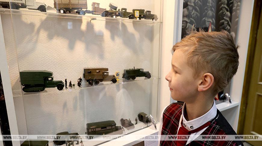 В Витебске открылась выставка частных коллекций о войне