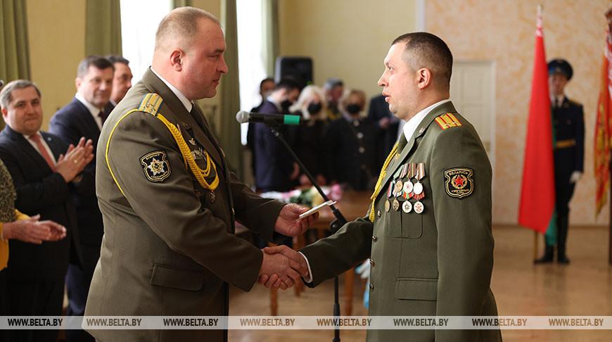 Чествование офицеров и военнослужащих срочной военной службы прошло в Бресте